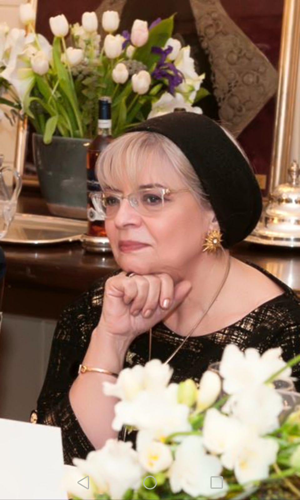 Irina Margareta Nistor sau cum să faci din cele 24 de ore ale unei zile... mult mai multe... Nu-i ajung nici așa pentru câte vrea să facă..Sursa foto: arhiva personală