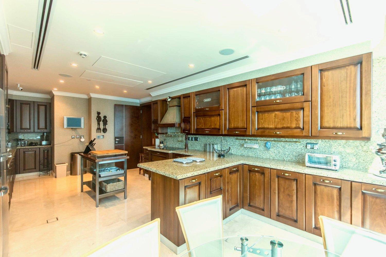 La fel şi bucătăria. FOTO: alek carrera estates