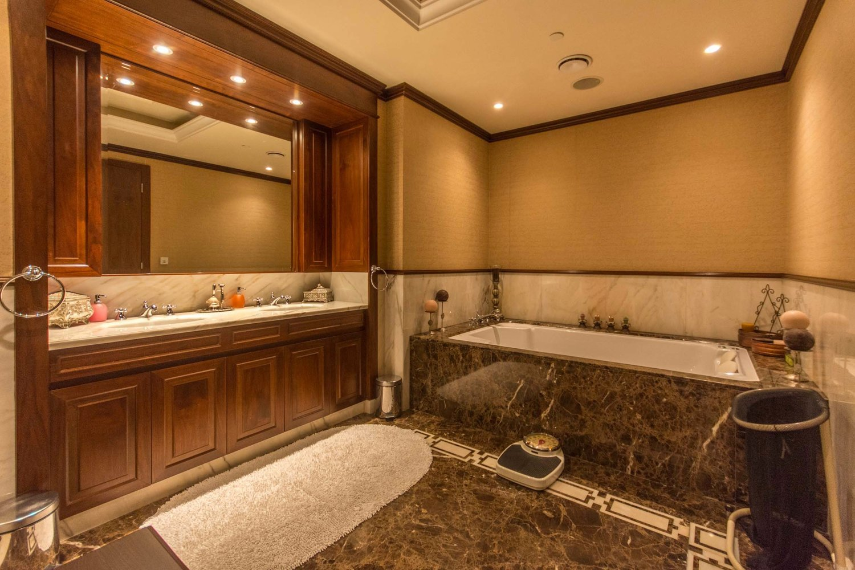 Şi fiecare dormitor are baie proprie. FOTO: alek carrera estates