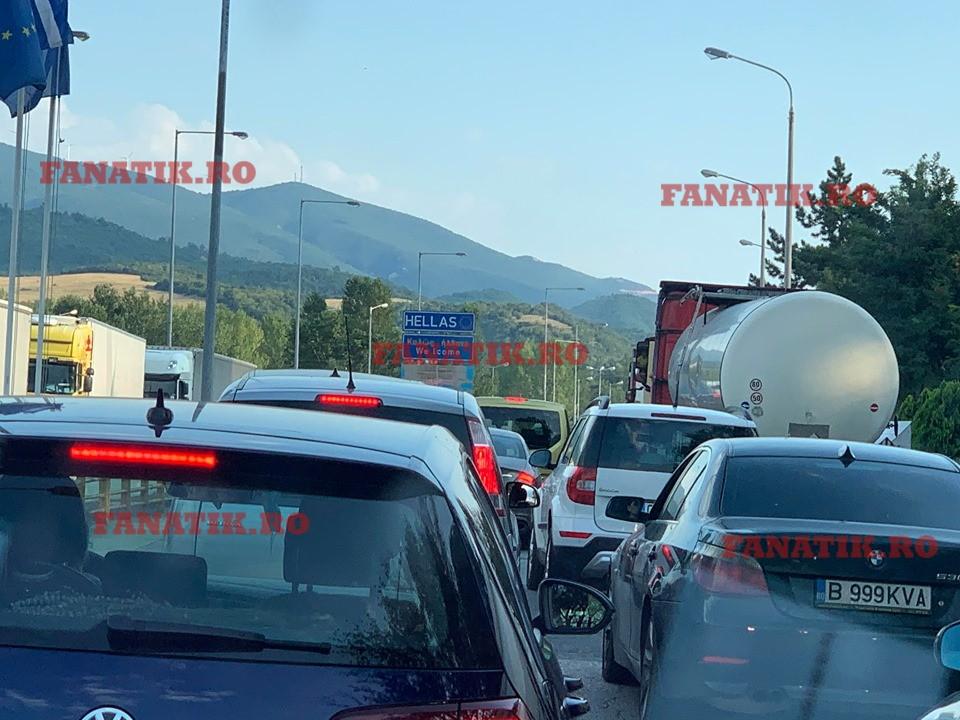 Coadă kilometrică de mașini în vama greacă