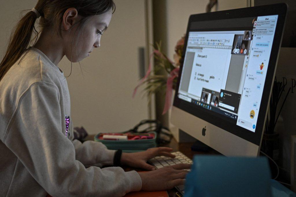 efectele tehnologiei asupra copiilor