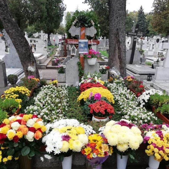 Imaginea mormântului lui Mihai Constantinescu