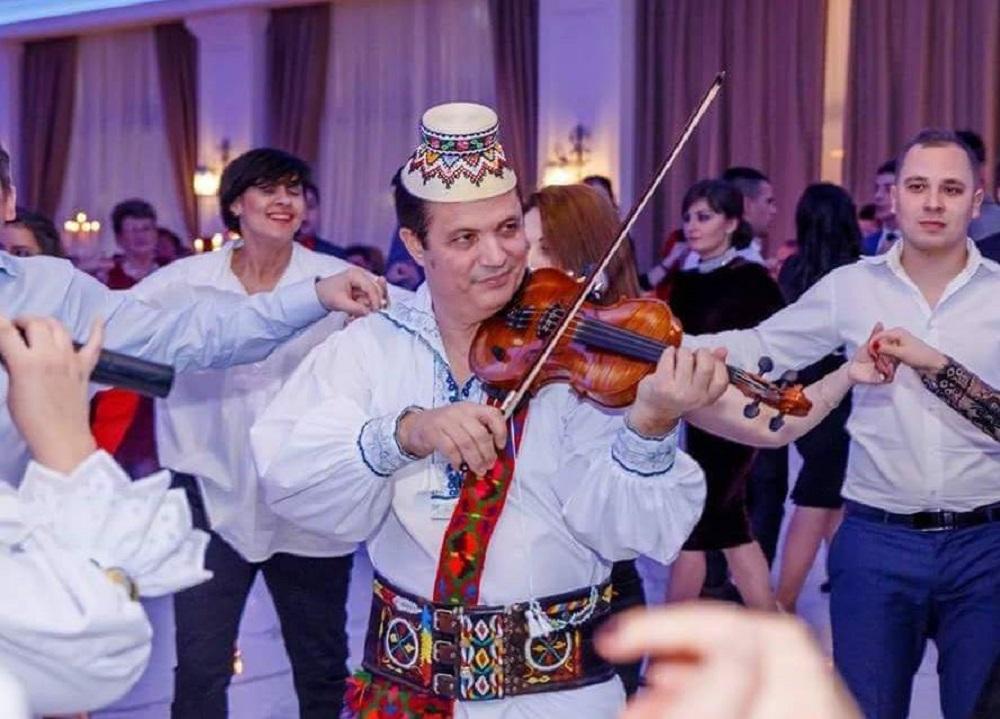 Doliu în lumea muzicii populare. Îndrăgitul solist Vasile Barani a murit de Covid-19