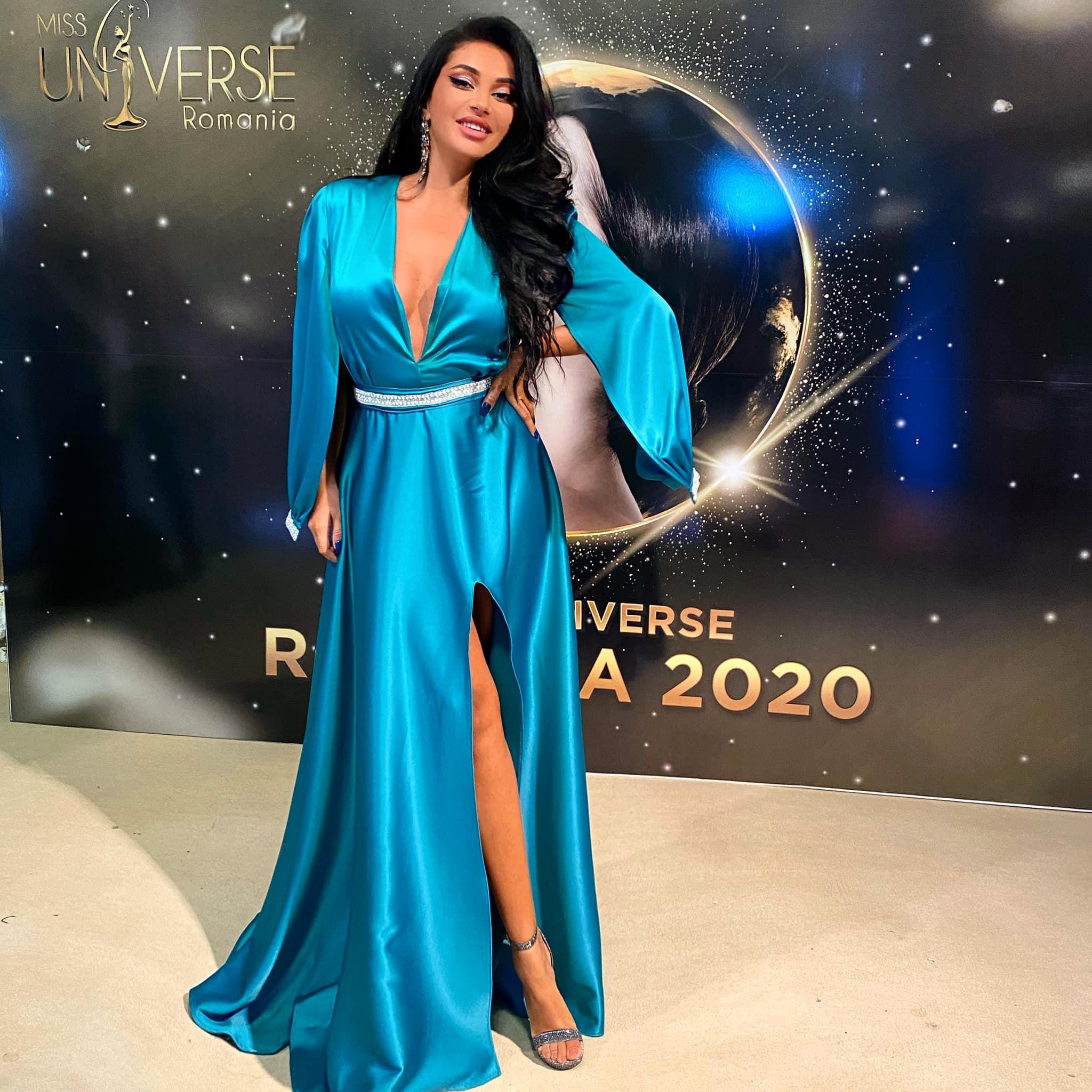 Elena Ionescu a apărut într-o rochie superbă la masa juraților Miss Universe