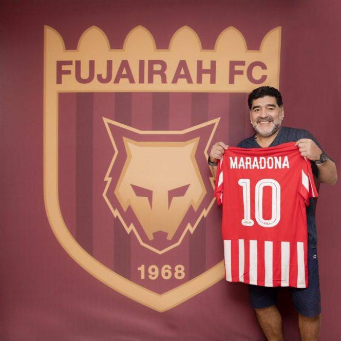 Prezentarea oficiala a lui Maradona la Al Fujairah. Sursa foto: hepta.ro