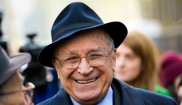 Ion Iliescu și pălăria sa
