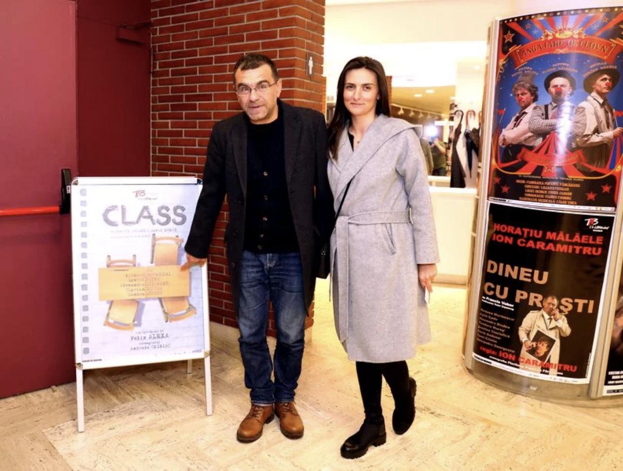 Actorul Mihai Mărgineanu și soția, Andreea, la teatru
