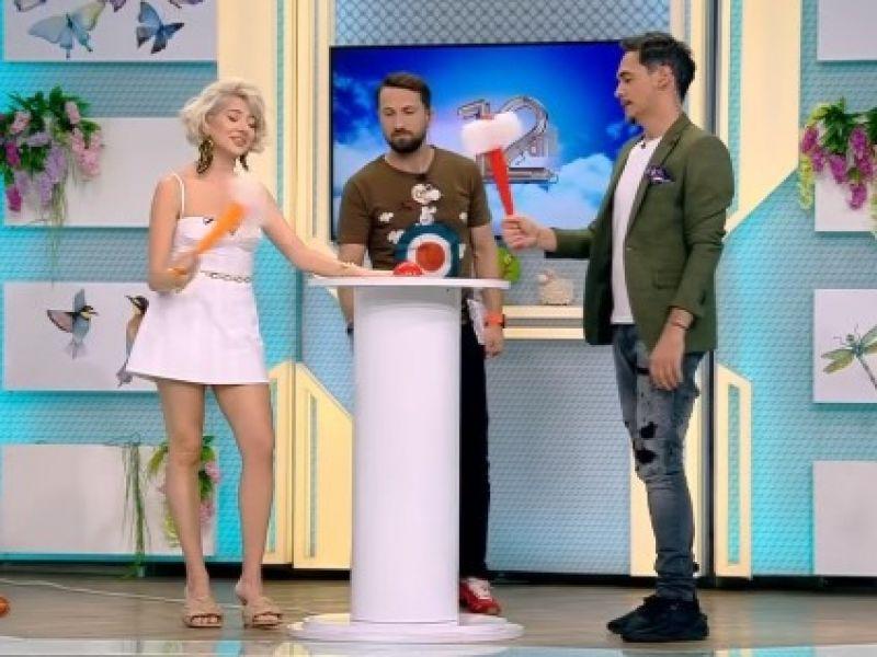 Lidia Buble în platouul emisiunii 'Neatza cu Răzvan și Dani