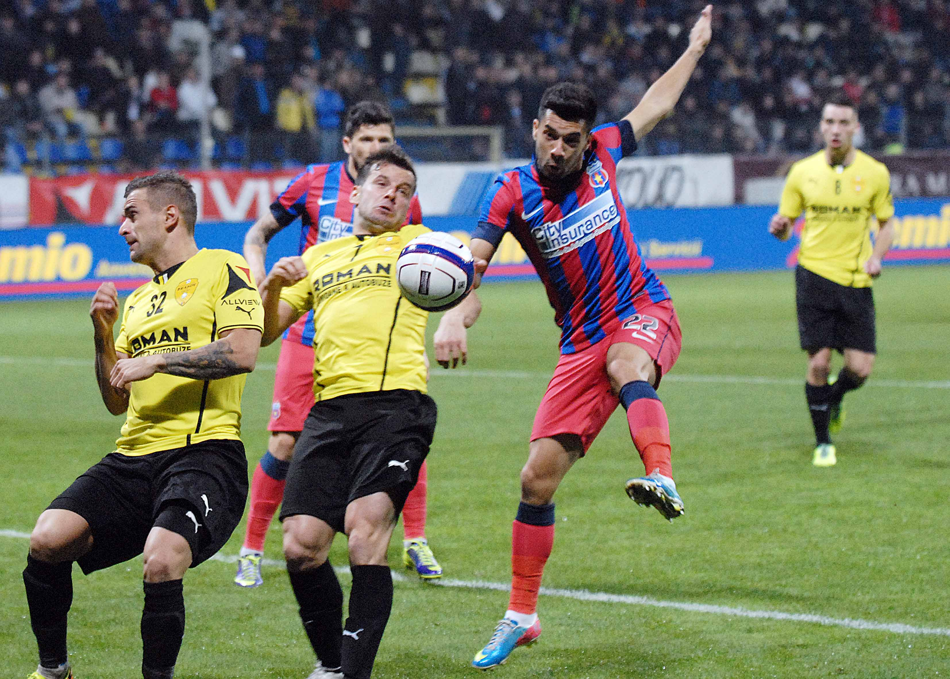 1.FOTBAL:FC BRASOV-STEAUA BUCURESTI 1-1,LIGA 1 (27.10.2013)