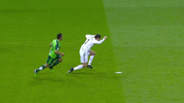 Cristiano-Ronaldo-dive-Real-Madrid-Jonny-Celta-Vigo