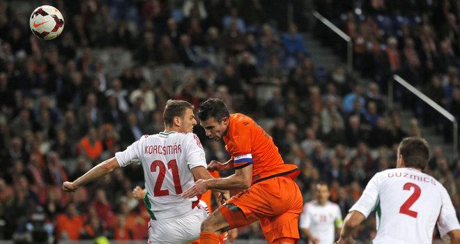 Holland-v-Hungary-Robin-van-Persie-scores_3017609