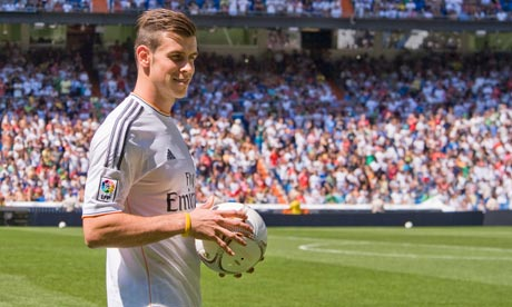 Gareth Bale greets Real Madrid fans during his official unveiling at the Bernabéu